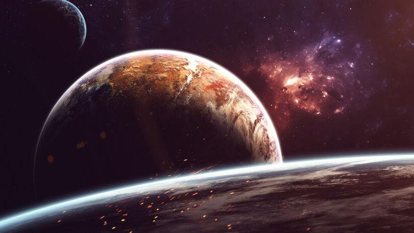 Pluton i inne planety we Wszechświecie