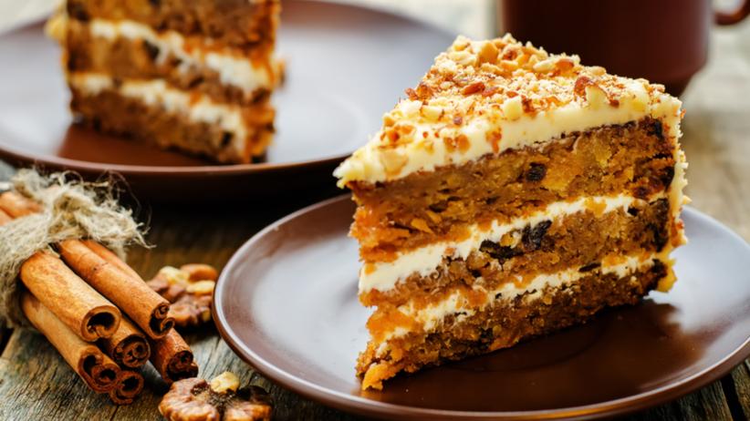 Czy ciasto we śnie to dla ciebie dobry znak? Przekonaj się!