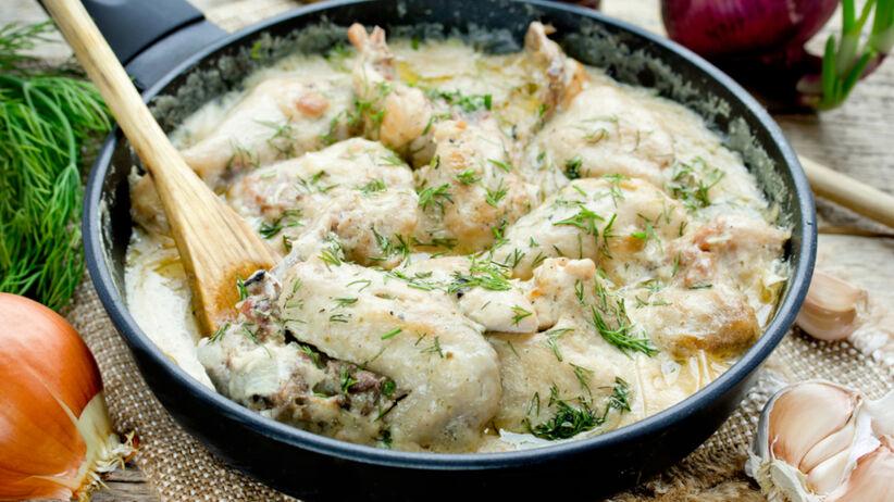 Pierś z kurczaka w sosie koperkowym smażona na patelni