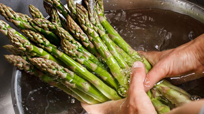 Szparagi myte w zlewie