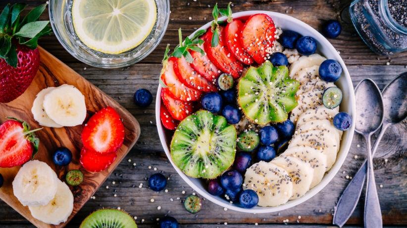Owsianka z owocami na zdrowe śniadanie - doda energii na cały dzień