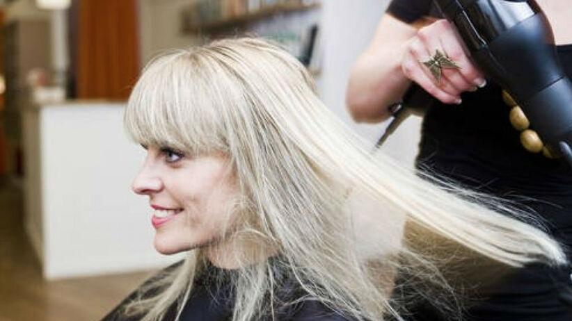 stylizacja włosów długich z grzywką