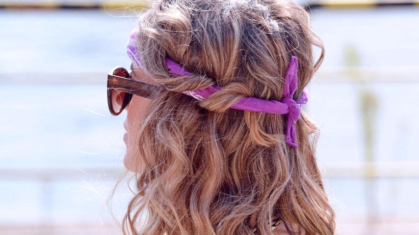 Kobieta z modną fryzurą