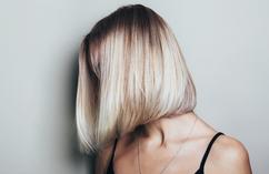 Włosy półdługie