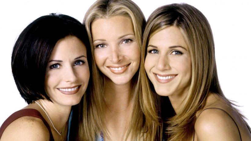 """Courteney Cox, Lisa Kudrow i Jennifer Aniston na zdjęciu promującym serial """"Przyjaciele"""""""