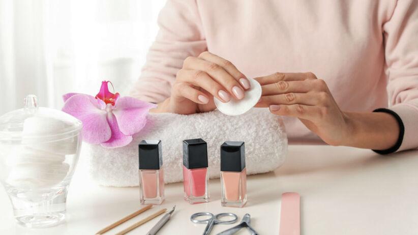 lakiery paznokcie