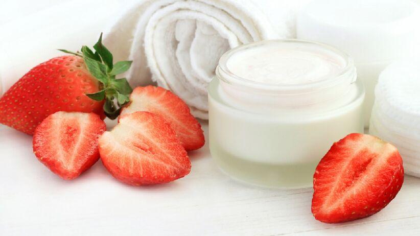 Kosmetyki z truskawkami
