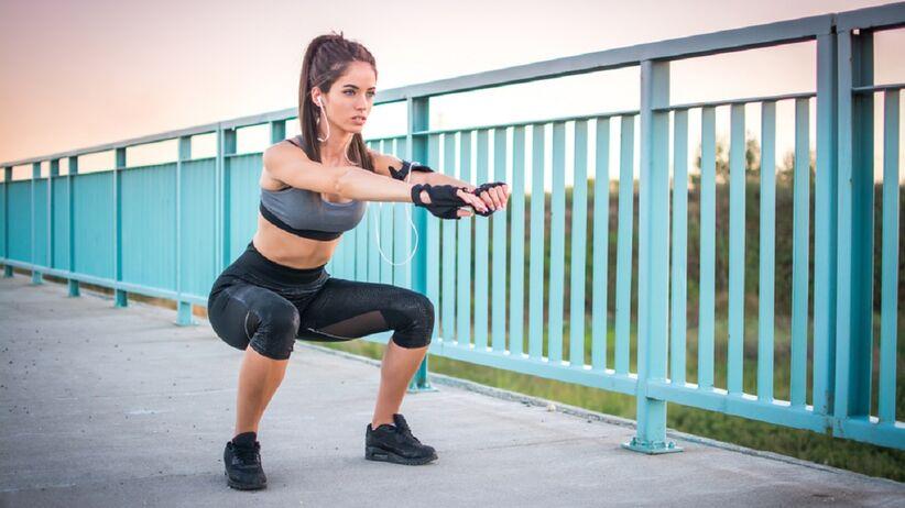 Kobieta ćwiczenia