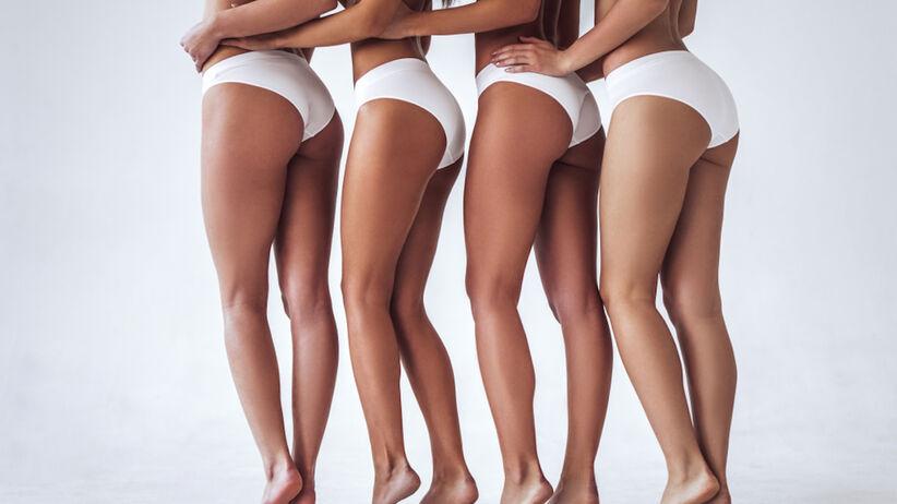 Kobiety w bieliźnie