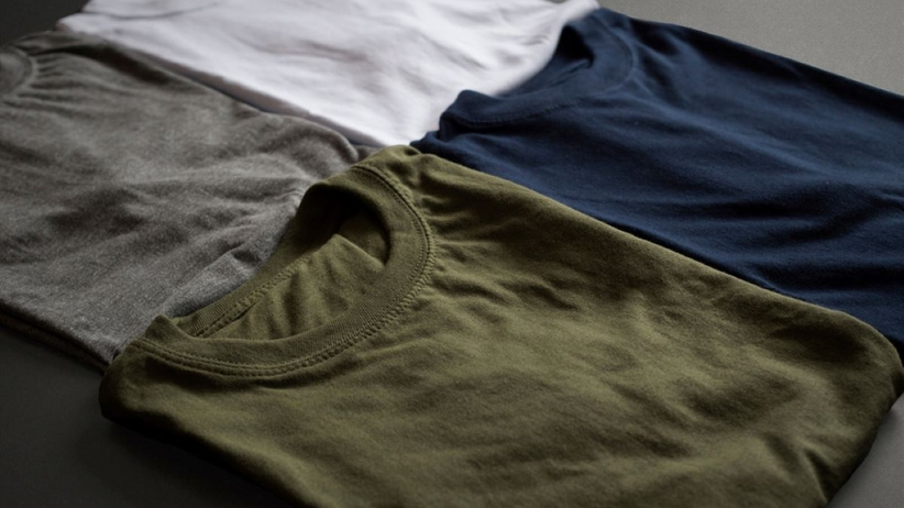 Jak składać koszulki?