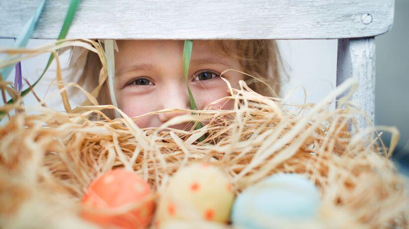 Jaki prezent na Wielkanoc wręczyć dziewczynce?
