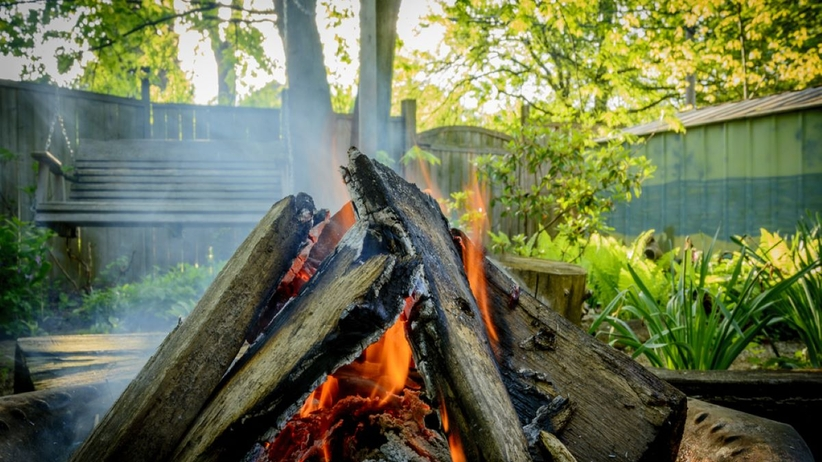 Czy ognisko w ogrodzie jest legalne?