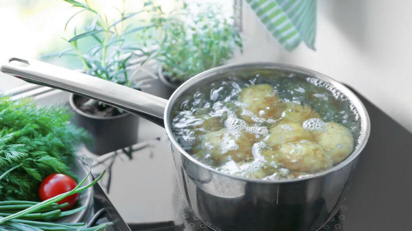 sposób na kipiące ziemniaki
