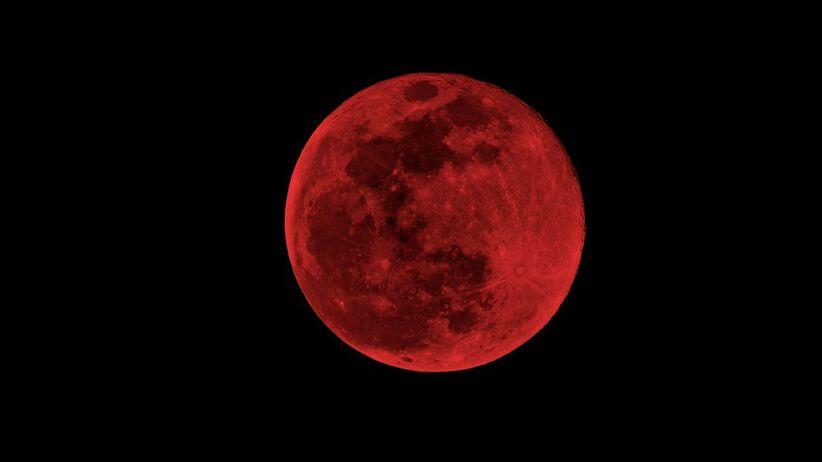 czerwony księżyc zjawisko astronomiczne