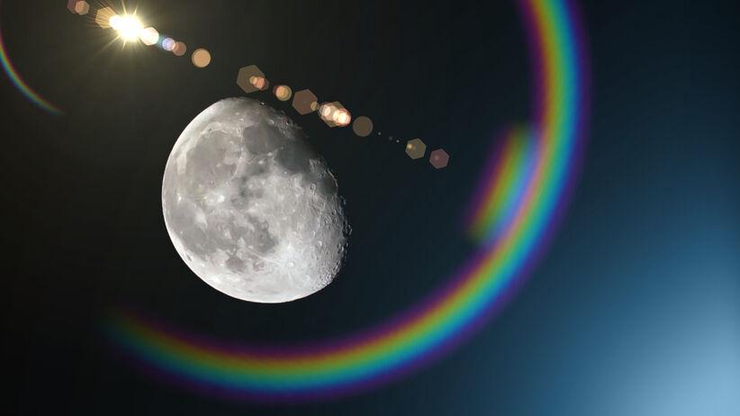 Księżyc i tęcza