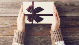 5 pomysłów na niedrogi mikołajkowy prezent z sieciówki. Ceny już od 7,99 zł