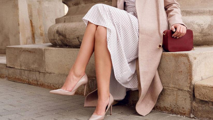 Maxi sukienka elegancka w kropki