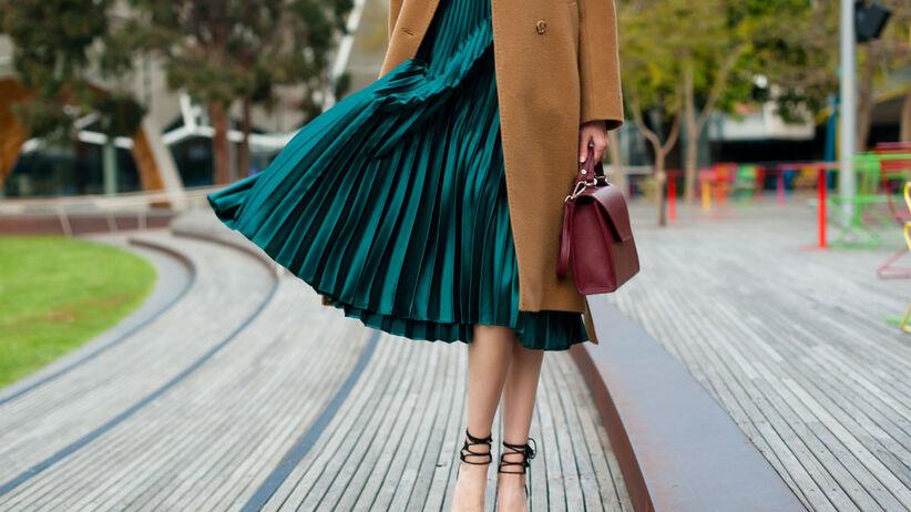 modna plisowana spódnica