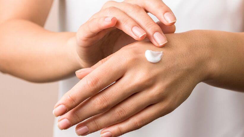 Masz suchą skórę rąk? Ten krem zapewni ci najlepszą pielęgnację, a kosztuje niecałe 10 zł