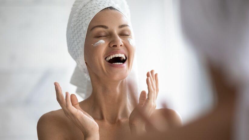 Krem odmładzający Tołpa do twarzy poprawi jędrność twojej skóry i spłyci zmarszczki. Kupisz go w promocji