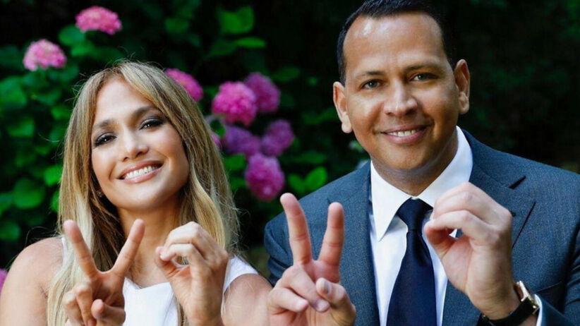 Jennifer Lopez i Alex Rodriguez szczęśliwi informują o zaręczynach