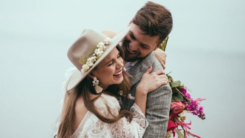 Pary młode przekładają ślub przez pandemię, a i tak świętują w tym dniu