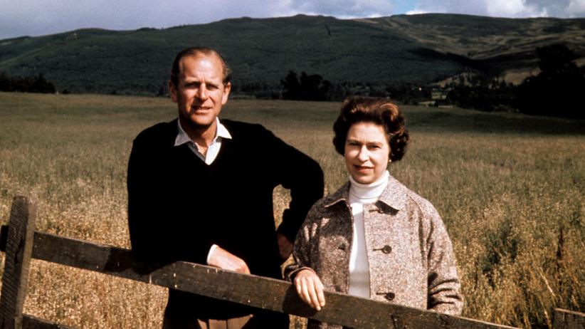 Królowa Elżbieta II i książę Filip w młodości w Balmoral