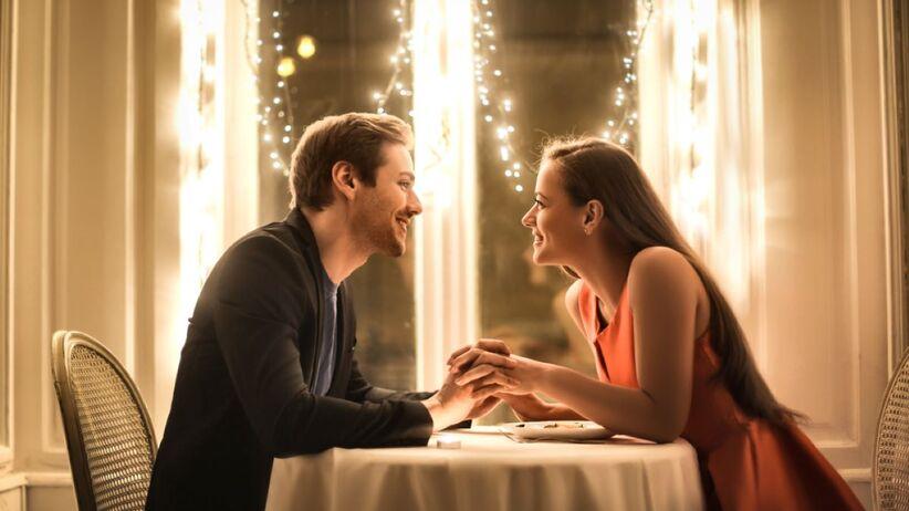 O czym rozmawiać na randce?