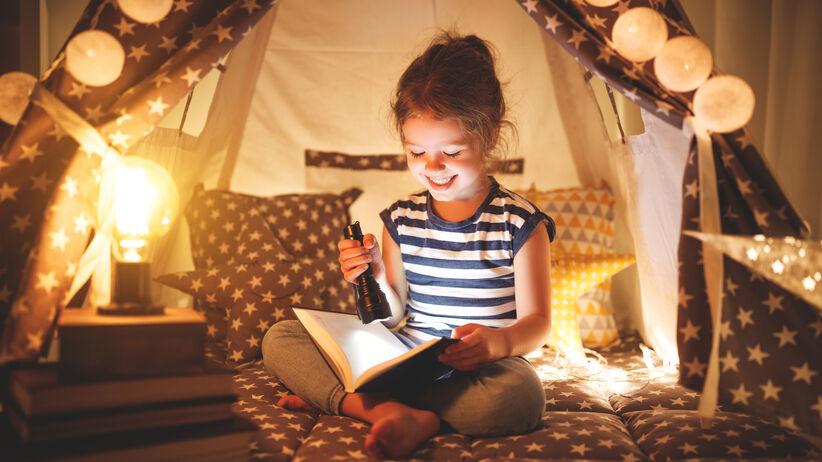 Dziewczynka z książką