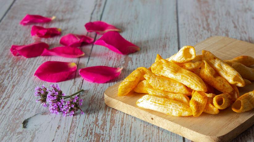 chipsy makaronowe