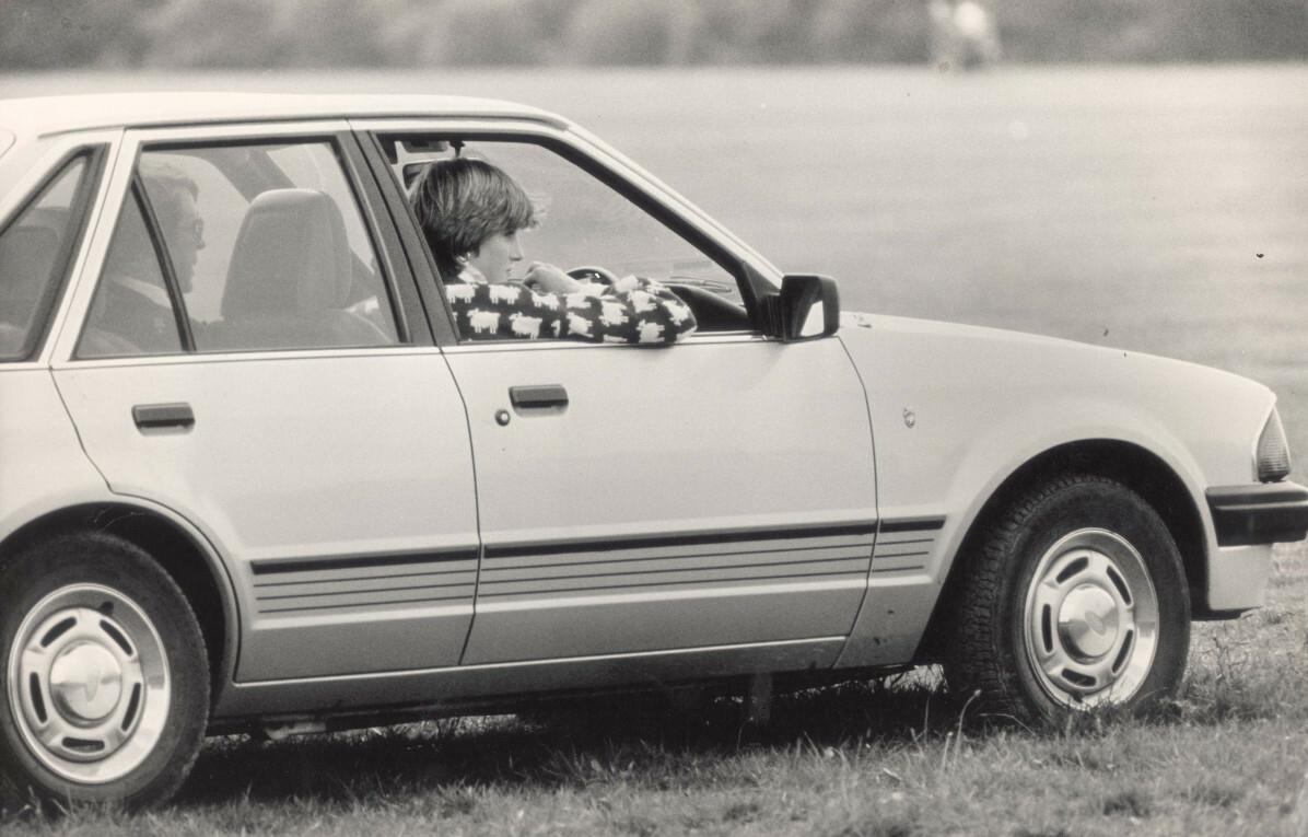 Księżna Diana z okazji zaręczyn dostała od Karola samochód