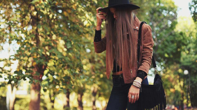 kurtka brązowa na jesień