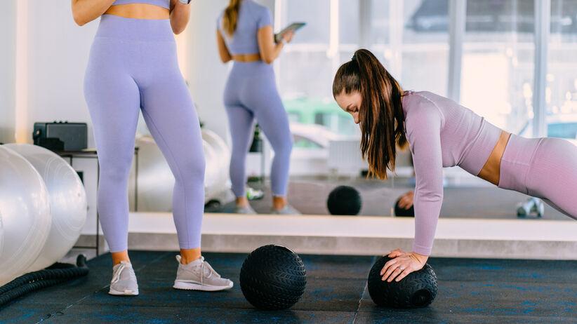 kobieta zajecia fitness