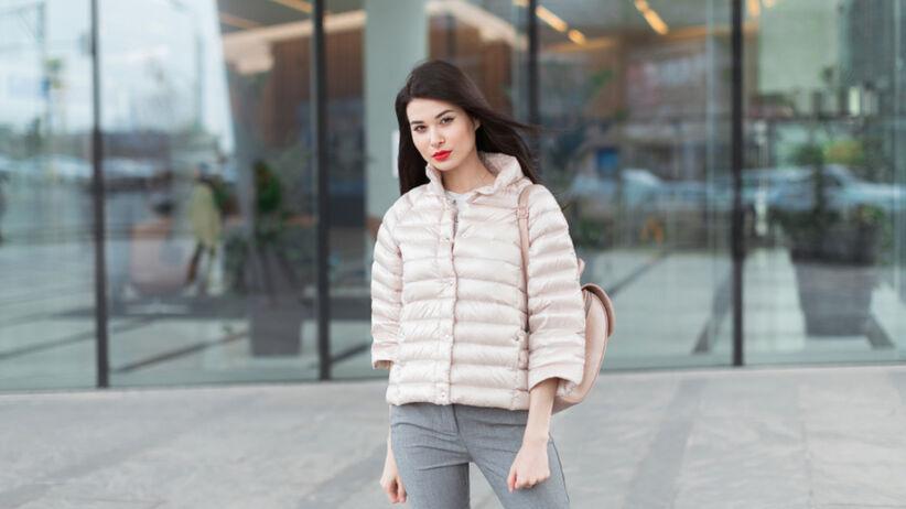 Pikowana kurtka to hit jesieni i zimy 2021. Kupisz ją w Primarku za 130 zł
