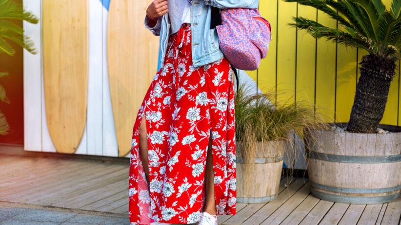Trendy lato 2021: spódnica maxi z Lidla za 29,99 zł do każdej sylwetki