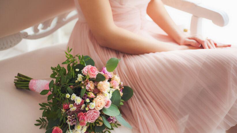 Trendy lato 2021: sukienka na wesele z Orsay za 39,99 zł
