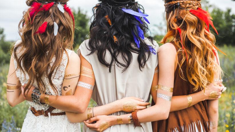 Modna fryzura na lato 2021 czyli glam shag