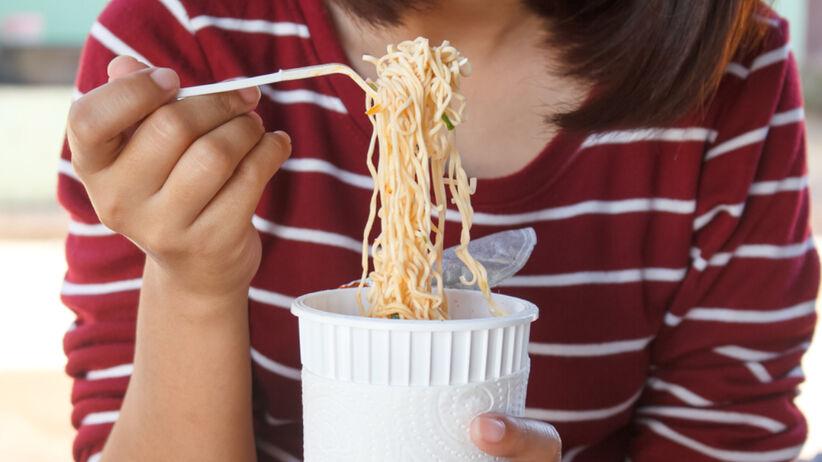 Przez 5 dni jadła tylko zupki chińskie. Jakie efekty zauważyła?
