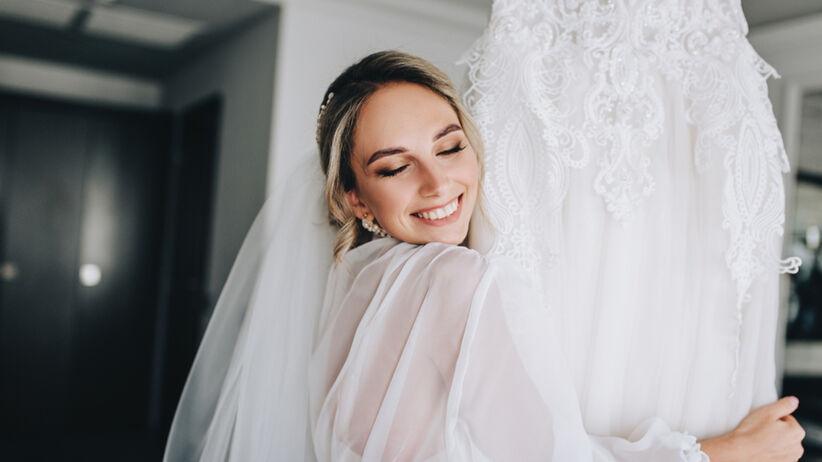 Do ślubu poszła w pięciu różnych sukniach. Jedną z kreacji było bikini