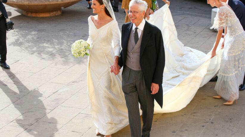 Ślub w rodzinie królewskiej. Haftowana suknia księżniczki zachwyciła wszystkich