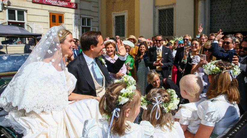 Ślub w rodzinie królewskiej. Księżniczka miała suknię w stylu Diany