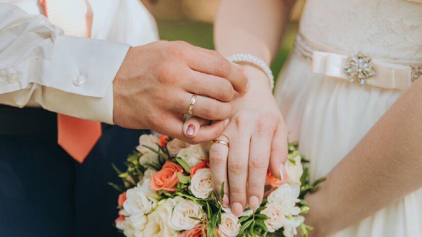 W jakim wieku najlepiej wziąć ślub? Wyniki badań są jednoznaczne