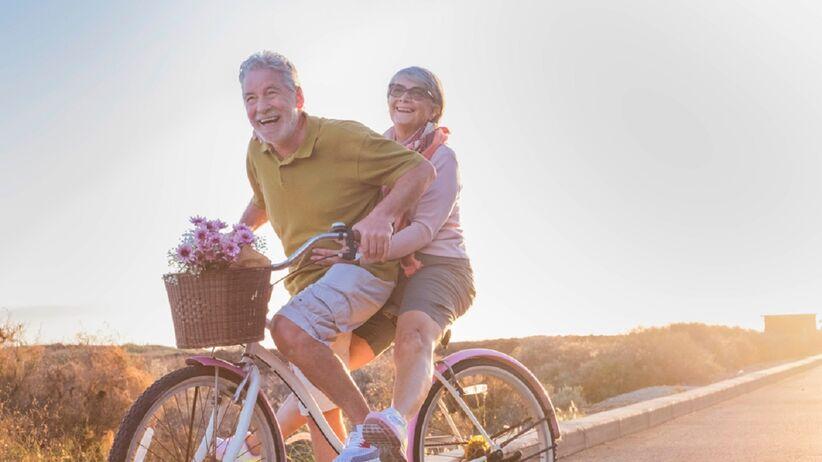 Łączone życzenia dla babci i dziadka - krótkie i piękne życzenia z okazji święta dziadków
