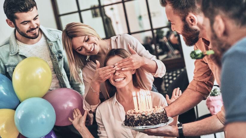 Życzenia urodzinowe dla kobiety